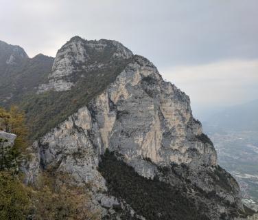 cliff01