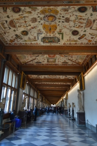 uffizi_down_the_hall01