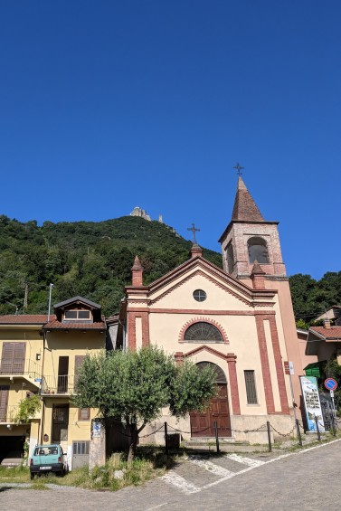 The Sacra waaaaay up there on the mountain behind this church.